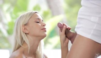Space girl Anikka Albrite gets her pussy vibrator